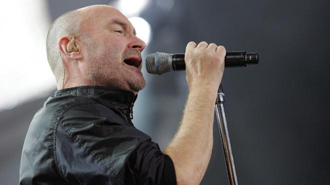 Phil Collins désormais en fauteuil roulant: ses fans s'inquiètent de le voir dans cet état (photo)