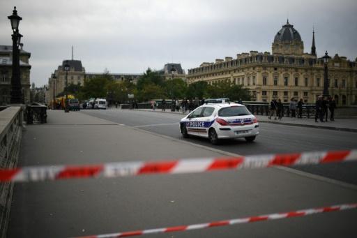 Agression à l'arme blanche à la préfecture de police de Paris: deux blessés, l'auteur