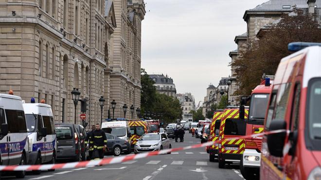 4 policiers tués dans une préfecture à Paris: