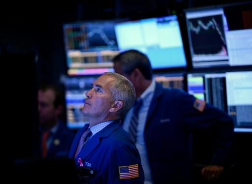 Wall Street passe dans le rouge après un indicateur décevant
