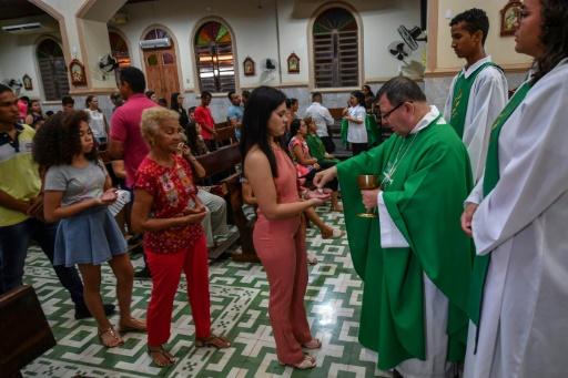 Amazonie: le manque de prêtres affaiblit l'influence de l'Eglise catholique