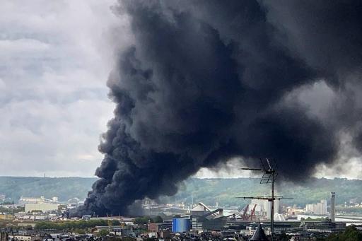 224 passages aux urgences, dont huit hospitalisations suite à l'incendie de Rouen