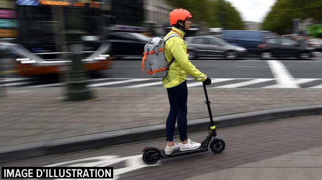 Un trentenaire décède en Flandre après une chute avec sa trottinette électrique