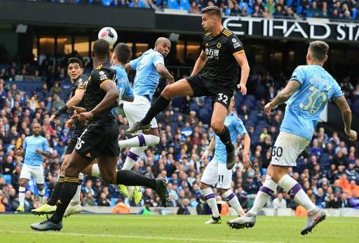 Les Belges à l'étranger - Wolverhampton et Leander Dendoncker infligent sa deuxième défaite à Manchester City