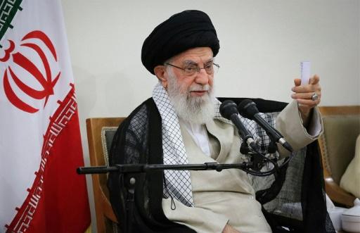 Khamenei accuse des