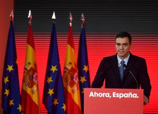 Sanchez promet d'augmenter les retraites et fait face à des sondages décevants