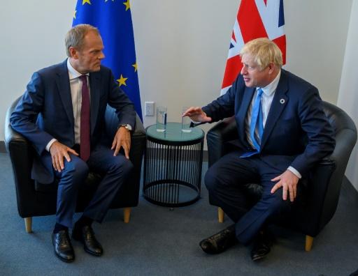 Brexit: Boris Johnson joue avec