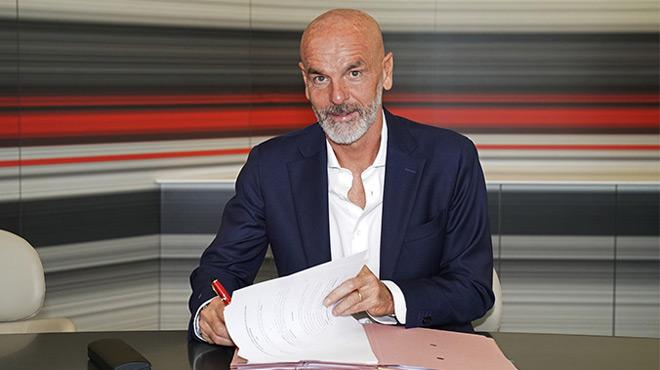 L'AC Milan présente son nouvel entraîneur