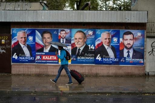 Les conservateurs polonais vers la victoire aux législatives