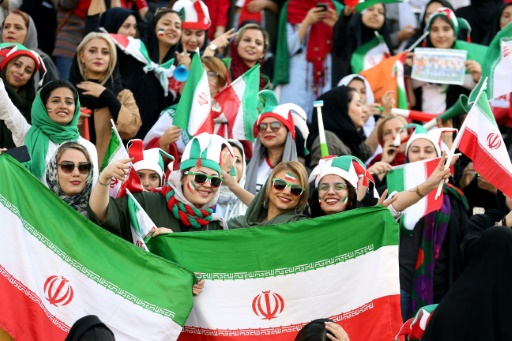 3.500 femmes au stade pour un match de foot, une première en Iran