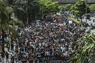 Colombie- des milliers d'étudiants manifestent pour l'enseignement public