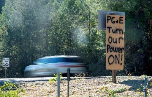 Risques d'incendie en Californie: 600.000 clients encore privés d'électricité
