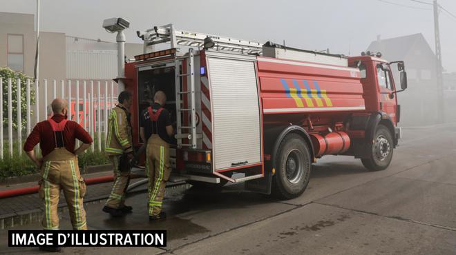 Incendie dans un hangar à Walcourt: 60 personnes ont dû être logées dans une école