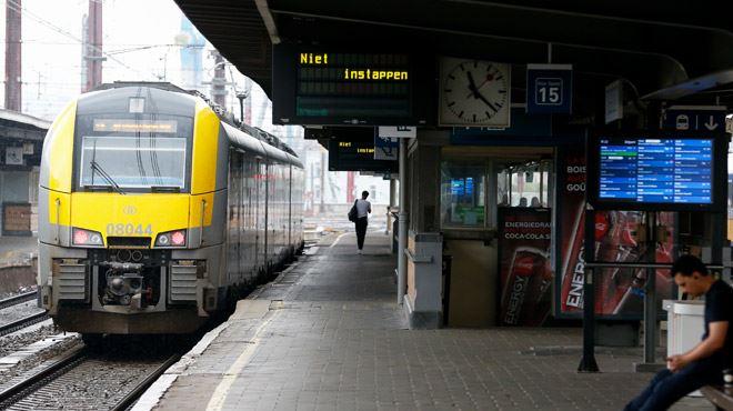 Gros travaux de signalisation sur le rail à Bruxelles-Midi pendant un mois- le quotidien de milliers de navetteurs chamboulé 1