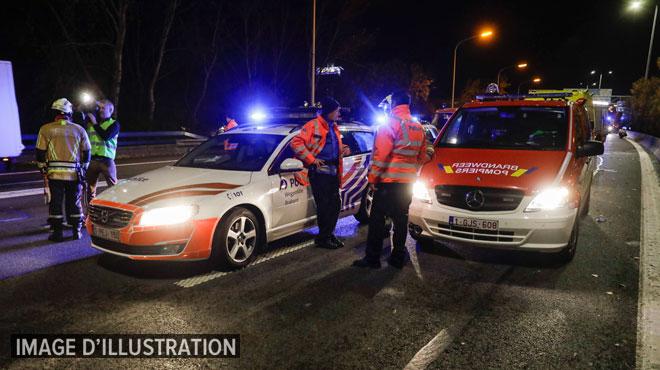Accident spectaculaire sur l'E40: 4 véhicules obstruent la bande de gauche