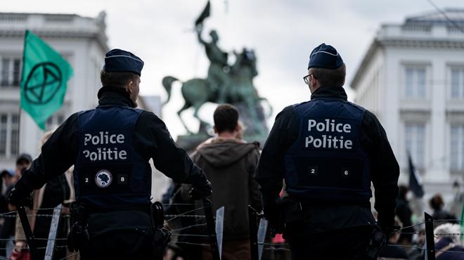 Manifestation du mouvement Extinction Rebellion à Bruxelles: l'intervention des forces de l'ordre