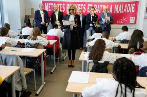 Voile: Brigitte Macron insiste sur la nécessaire