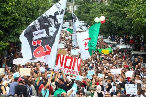 En Algérie, la présidentielle tunisienne suscite l'espoir et motive... à ne pas voter