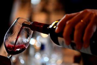 Sanctions américaines- vins, avions, olives... les secteurs visés en Europe