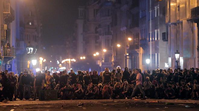 Crise en Catalogne: après le chaos, la tension a nettement baissé à Barcelone (photos)