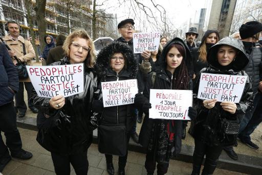 Environ 400 personnes participent à la marche noire dans Bruxelles