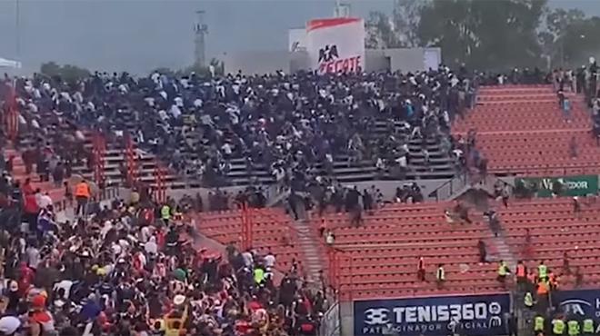 Des dizaines de blessés après une bagarre générale dans les tribunes d'un stade mexicain (vidéo)