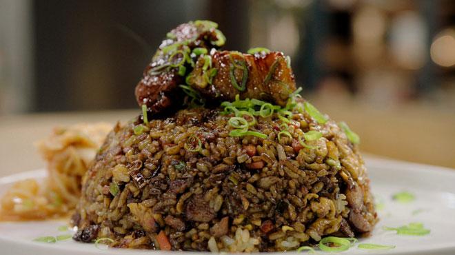 Loïc dévoile la recette du riz japonais sauté au porc laqué et kimchi: