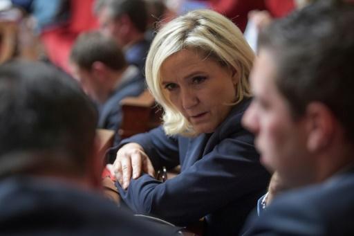 Retraites: Marine Le Pen