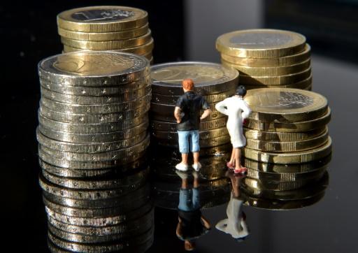 Taux bas:un quart des Français sondés prêts à des investissements plus risqués
