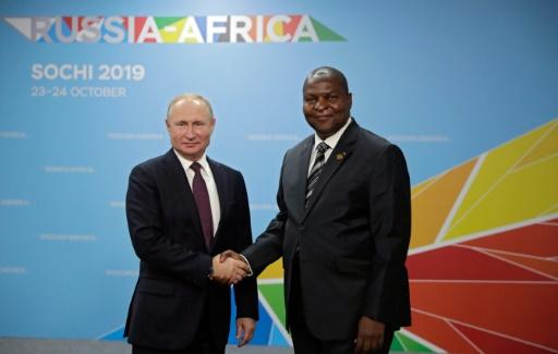 La Centrafrique demande à la Russie de renforcer son aide militaire