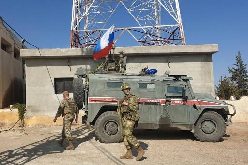 Les Kurdes quittent leurs positions, Syriens et Russes patrouillent