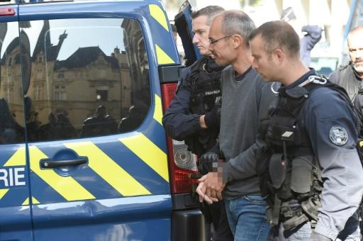 Menacé d'être remis aux autorités italiennes, Vecchi dénonce