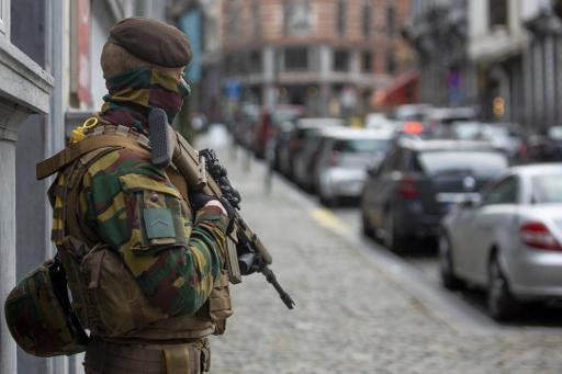 Pas de réduction immédiate du nombre de militaires en rue