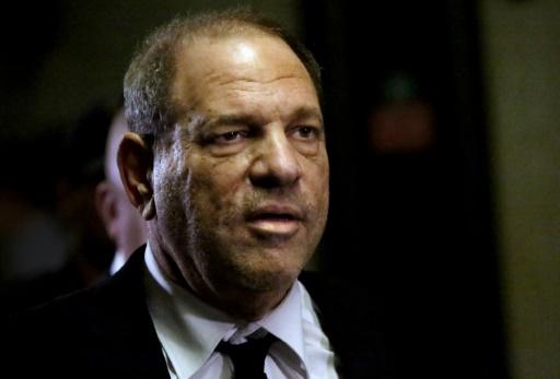 Une sortie d'Harvey Weinstein dans un bar new-yorkais vire au scandale