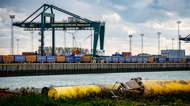 9 migrants découverts dans un camion se rendant à Zeebrugge
