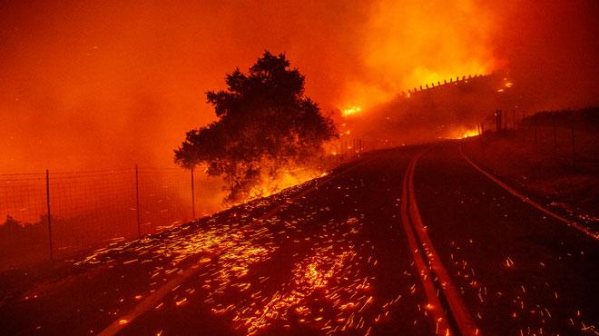 Violents incendies en Californie: le
