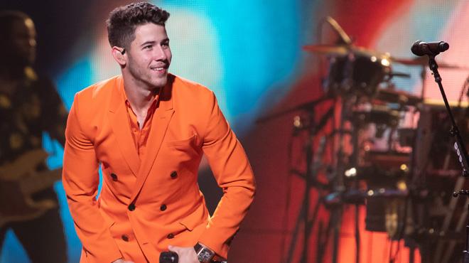 Nick Jonas subit des attouchements sexuels en plein concert: ses fans sont choqués