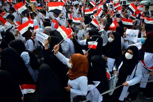 En Irak, la jeunesse prend la rue pour réclamer