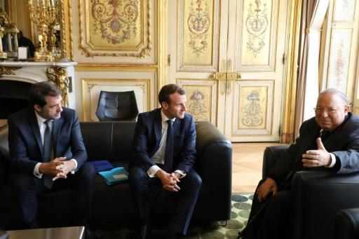 Macron appelle les représentants musulmans à être plus offensifs contre communautarisme et islamisme