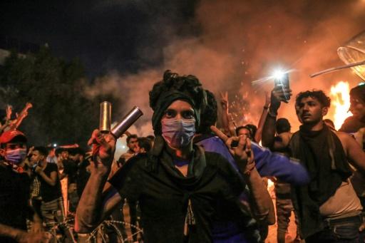 Manifestations en Irak: Bagdad défie le couvre-feu, nuit de violence à Kerbala