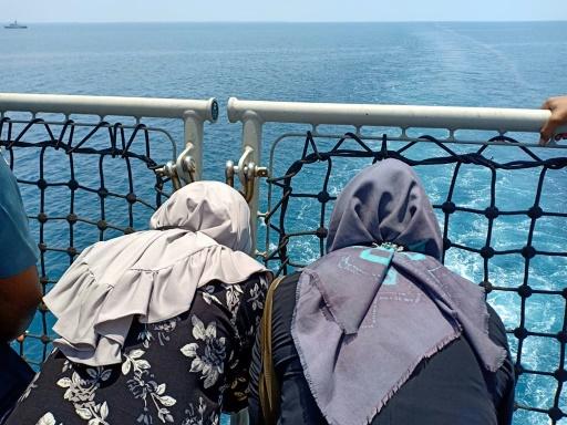 Prière collective en mer un an après le crash de Lion Air en Indonésie