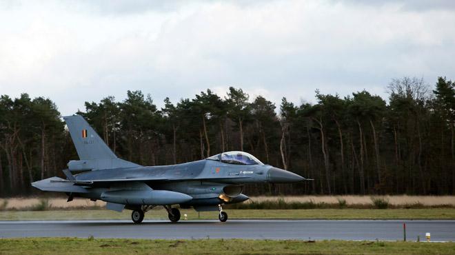 Des F-16 belges interceptent des avions russes à la limite de l'espace de l'Otan