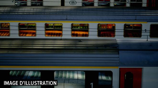 Un train déraille à la gare des Guillemins à Liège: le trafic est perturbé
