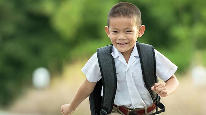 Faut-il envoyer son enfant au lit sans qu'il ait fini ses devoirs? La question divise la Chine