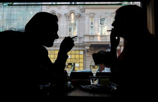 Plus de cigarette avec le café, fin de l'exception autrichienne