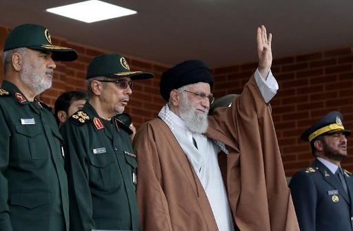Khamenei maintient son opposition à tout dialogue