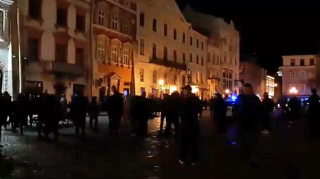 Europa League: gigantesque bagarre avant le match de Saint-Etienne en Ukraine (vidéo)