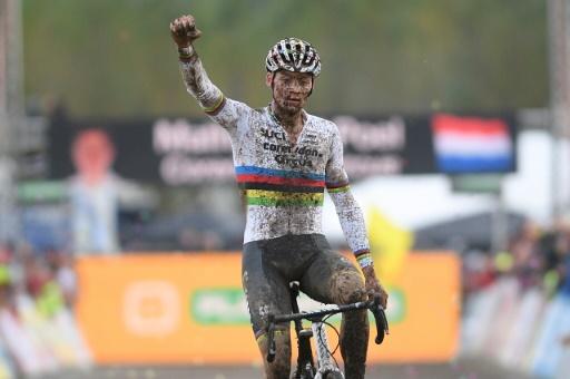 Cyclo-cross: quand van der Poel revient, tout le monde le craint