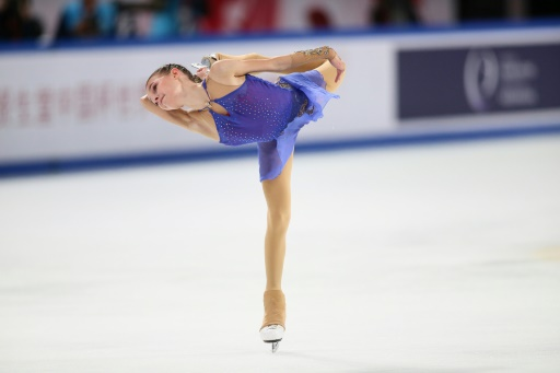 Patinage artistique: la Russe Shcherbakova éblouit le monde à 15 ans