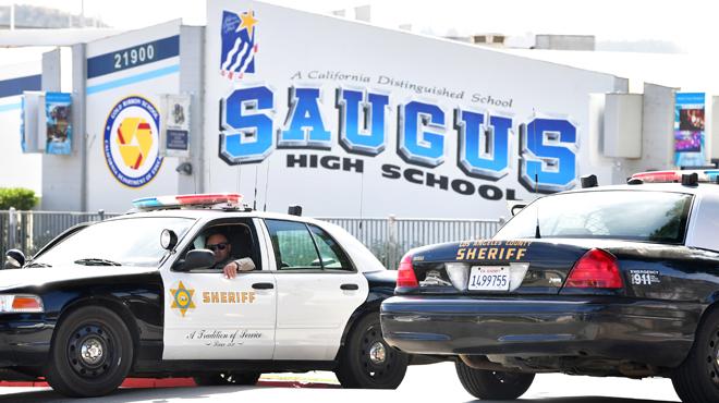 Fusillade près de Los Angeles: mort du tireur, la police cherche à comprendre ses motivations
